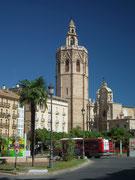 Die Kathedrale von Valencia mit gotischen und klassizistischen Stilmerkmalen
