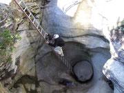 Mehrere Meter tief und durch Leitern auch gut begehbar