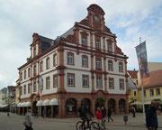 Prächtiges Geschäftshaus an der Einkaufsstrasse