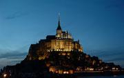 Der nächtliche Anblick des Mont Saint Michel . . .