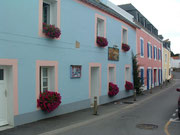 Die bunten Häuserfassaden sollen Lebensfreude zeigen . . .