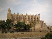 Nochmals die gotische Kathedrale «La Seu» in schönem Licht und guter Reliefwirkung