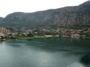 Die Gegend um Kotor ist bekannt für schöne Badeferien