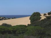 Die breiten Sanddünen an der Costa Verde...