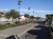 Gepflegte Strassenbeleuchtung im hübschen Ort Lido degli Estensi