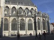 Doppelstöckiges Kirchenschiff