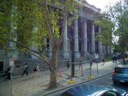 Die mächtige Säulenfassade des «Old Parliament House»