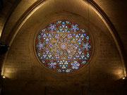 . . . und ebenso wunderschön, das Rosettenfenster über dem Haupteingang