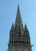 Die imposante Kirchturmspitze von Quimper