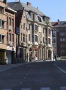 stilvolle Häuserfassaden . . .