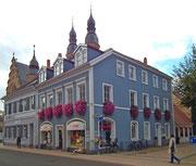 So macht das Einkaufen Freude: Pastellfarbig und blumengeschmückt