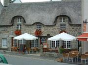 Wunderschönes Steinhaus mit echtem Strohdach