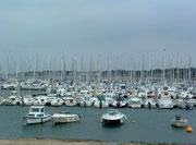 Am späten Nachmittag «schlummmert» der Bootshafen von Le Croisic
