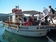 Wir «entern» das Motorschiff DOLLARO II . . .