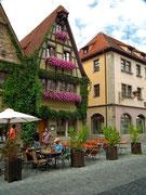 Schön erhaltene Fachwerkhäuser tragen . . .