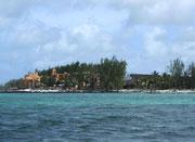 Die Wassertiefe beträgt oft nur ½ bis 1 Meter, Die «speed boats» flitzen deshalb mit hoher Geschwindigkeit «über» das Wasser.