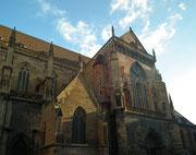 . . . vorbei an der St. Martin Kathedrale . . .