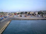 Anlegen im Hafen von Cagliari im Süden der Insel Sardinien