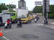 Selbstverständlich wie üblich im asiatischen Raum: Verkehr, Verkehr und nochmals Verkehr