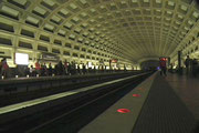 Die architektonisch interessante Decke der Metro-Station «Pentagon City»