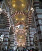Der neuromanisch-byzantinische Stil ist nach einer umfassenden Säuberung . . .