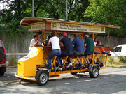 Stadtrundfahrt mit Muskel- und Bier-Kraft . . .