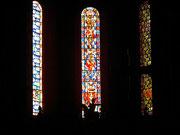 Die hohen Glasfenster im Dom St. Martin