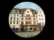 Ein Blick auf die sogenannten Markthäuser am Marktplatz vor dem Dom