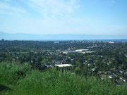 Blick von einer kleine Anhöhe auf Victoria und die umliegenden Vororte