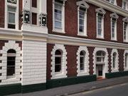 Diese Gebäude beherbergt das «Cirka Theatre»
