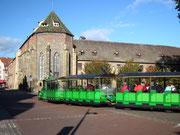 Vor uns das «Musée Unterlinden» in dem sich der berühmte «Isenheimer Altar» befindet