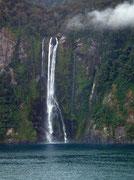Ebenso gibt es einige schöne Wasserfälle, die aber zurzeit nicht allzu viel Wasser führen