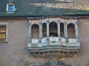 Balkon am Gerichtsgebäude zum Ausrufen der Urteile (warum wird das heute nicht mehr so gemacht ?!)