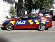 Für uns eine ungewohnte Bemalung des Polizei-Autos