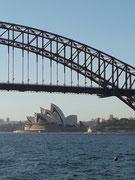 Nochmals ein Blick «zurück» auf die «Harbour Bridge» und das «Sydney Opera House»