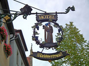 Hotel Meistertrunk: Dem Mönch scheint der Trunk zu schmecken !