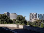 Abwechslungsreiche Architektur an diesen Wolkenkratzern