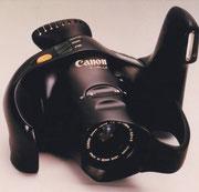 1983 Camera CANON T90 in vollständig ergonomischer Gestaltung