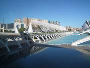 . . . «selbstverständlich» vom Architekten Santiago Calatrava entworfen . . .