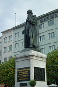 Schöne Bronze-Statue von Johannes Genschfleisch von und zu Gutenberg . . .
