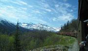 Nochmals schöner Blick in die schneebedeckten Berge