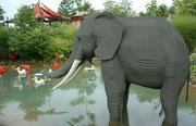 Elefant in Lebensgrösse (Anzahl der Legosteine unbekannt)
