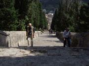 Der lange Aufstieg zur Eglesia del Calvari