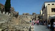 Innerhalb der Ringmauer mit Blick zum Wehrturm