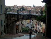 . . . mit schönen Blicken auf die Universitätsstadt Perugia