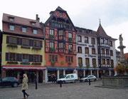 Die schöne Häuserzeile beim «Place du marché»
