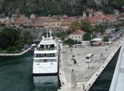 Die kleine Hafenanlage mit Platz für 2 Schiffe