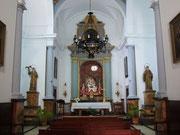 . . . mit der einfachen Kapelle . . .