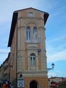 Hübsches, sehr hohes und schmales Haus zwischen 2 Strassen in der Altstadt