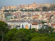 Blick auf die schöne Altstadt von Cagliari, dem sogenannten Castello